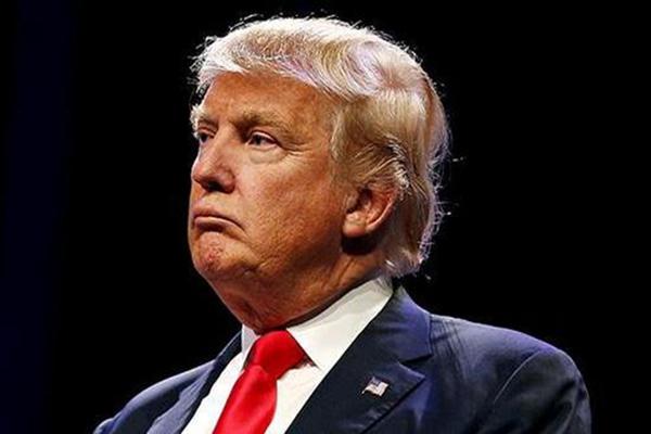 特朗普拒绝签署新冠纾困法案 特朗普特赦前竞选助手等15人