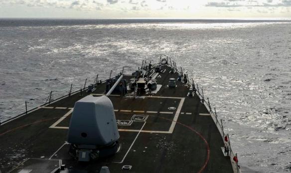 美国军舰再度擅闯南沙群岛,南部战区时刻保持高度戒备状态