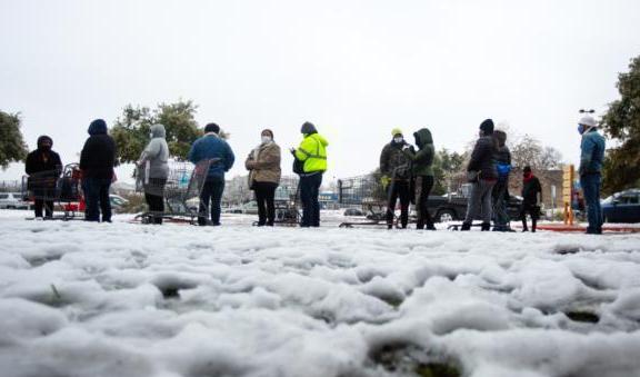 美国严寒天气已致31人死亡,数百万家庭供电中断