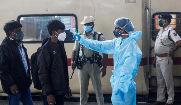 印度各地发现240种变异新冠病毒,实际感染人数或已经超过3亿