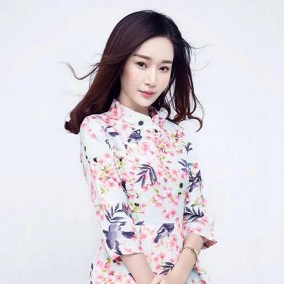 傅杨杨,1991年出生于浙江省杭州市,毕业于浙江传媒大学,中国内地女演员。2011年,参加比基尼小姐大赛,最终获得浙江赛区季军。2012年,参加环球小姐大赛,获得最佳上镜奖。