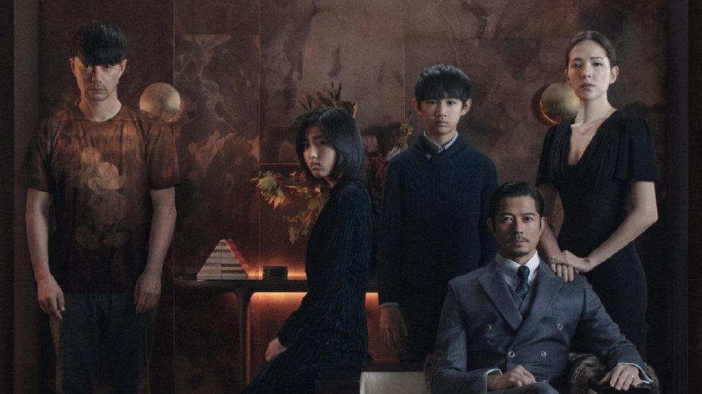 悬疑惊悚电影《秘密访客》,讲述了一个和睦的四口之家住进了一位秘密访客