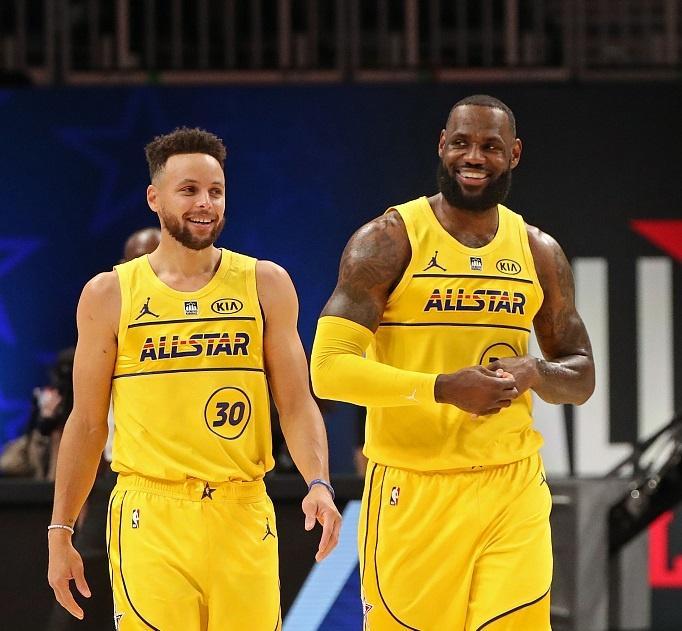 詹姆斯支持库里当选MVP,利拉德成为大输家