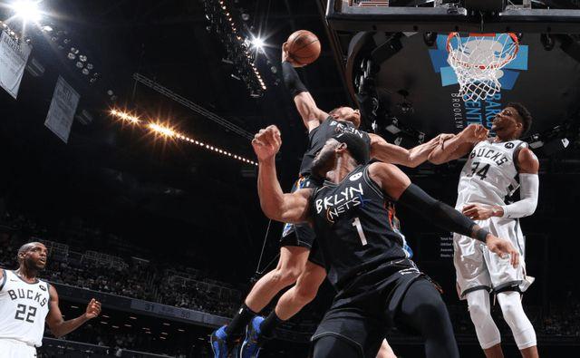 篮网胜雄鹿总比分2-0领先,篮网创造季后赛最大比分差获胜纪录,篮网多雄鹿39分