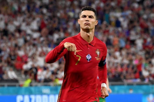 C罗国家队进球数历史第一,葡萄牙2:2与法国队打平,c罗,欧洲杯葡萄牙和法国队