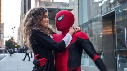 荷兰弟赞达亚恋情曝光,两人曾在蜘蛛侠中有过密切合作