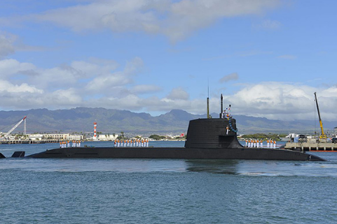 日本潜艇闯入钓鱼岛,日潜艇非法闯入钓鱼岛,日本打破惯例闯入钓鱼岛