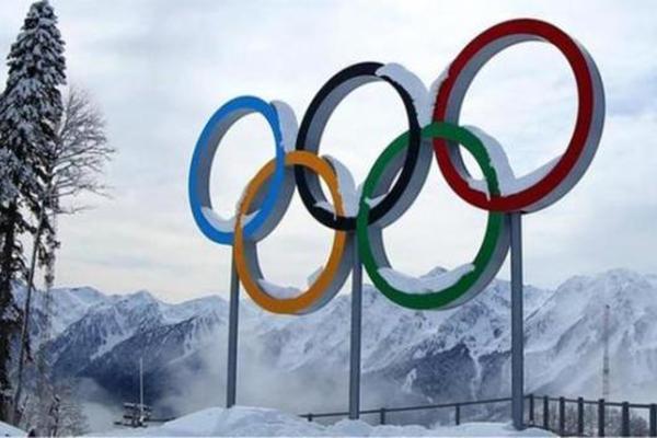 俄罗斯运动员携苏联旗帜参加平昌冬奥,国际奥委会
