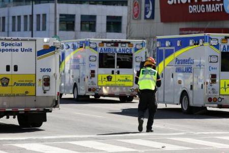 多伦多撞人已致10死,多伦多撞人事故,多伦多举行七国会议