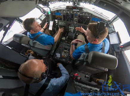 波音董事长参与737MAX飞行,波音更新37MAX飞行软件,波音737MAX失速