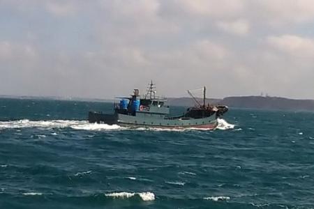 台湾巡查队查扣大陆驳油船,台湾扣大陆驳油船,台湾粗暴对待大陆渔民