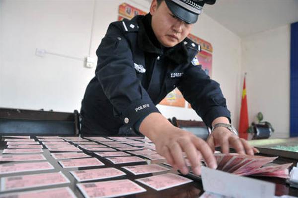 广东铁警打击倒卖车票,惠州,