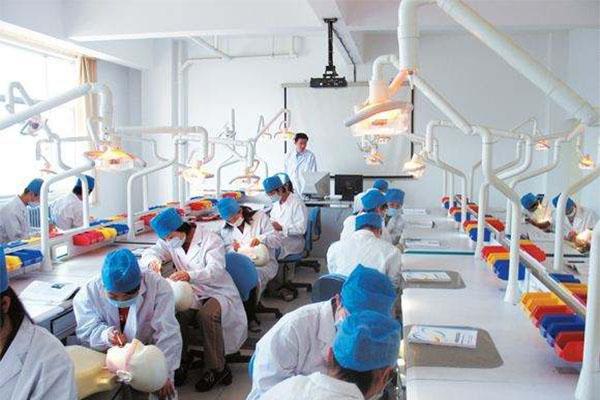 60万医学生仅10万从医,医学专业,医学生,医学人才