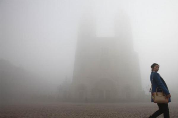 高楼淹在大雾中,北京雾霾,大雾天气