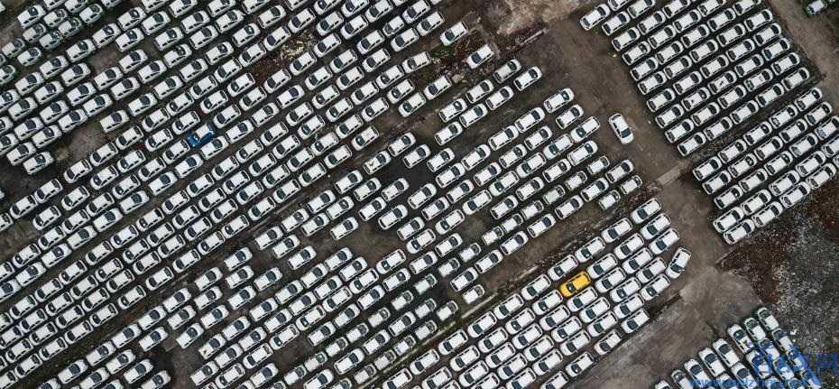 钱塘江停放三千辆车