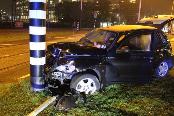 曼城前锋阿奎罗遭遇车祸骨折需修养两个月