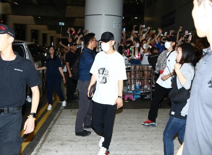韩星EXO抵港引骚动,香港,EXO