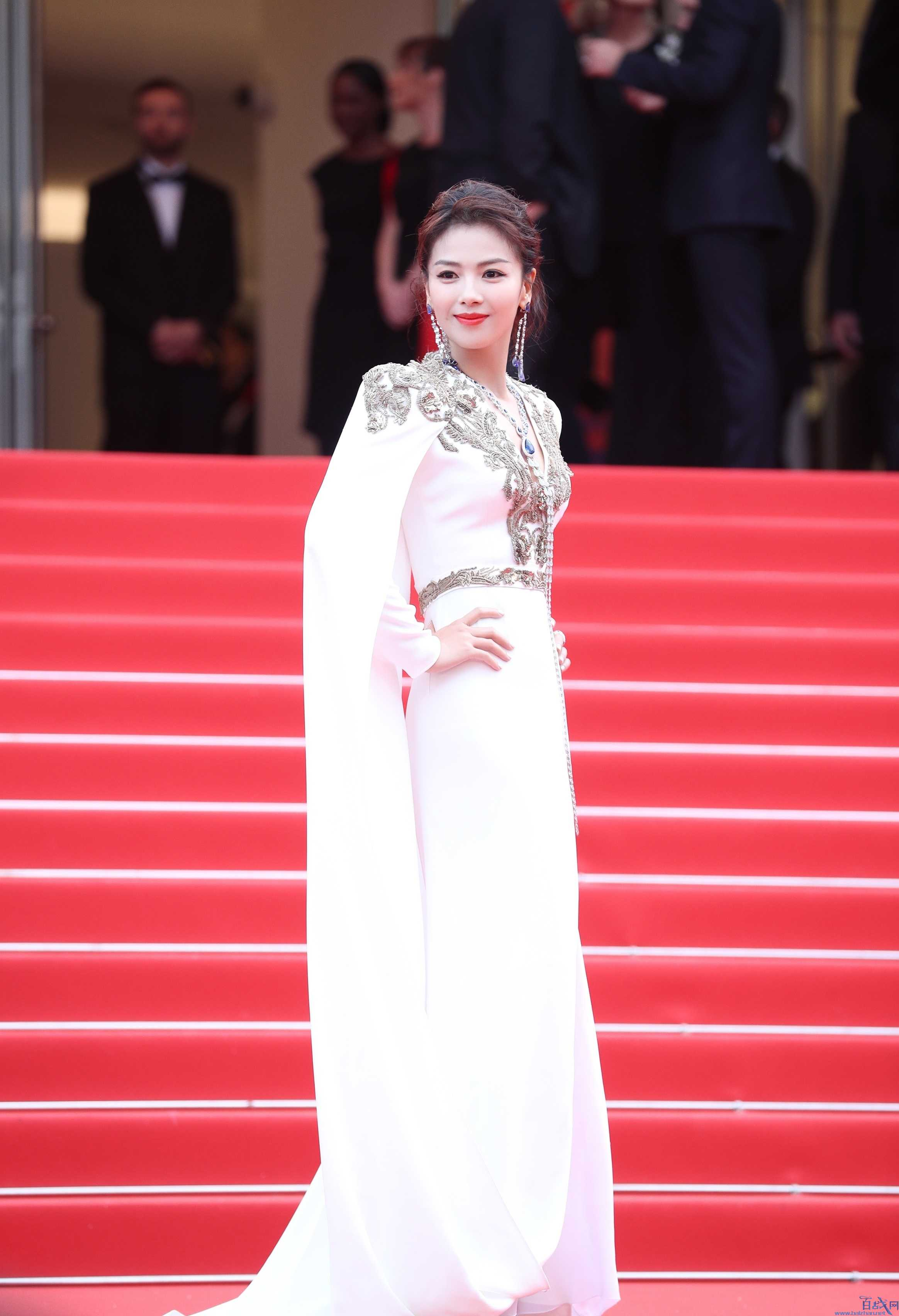刘涛白色深V高开叉礼服,刘涛高开叉礼服,刘涛戛纳电影节