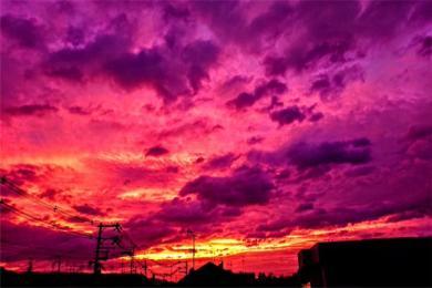 19号台风海贝思逼近日本 日本多地天空呈粉紫色