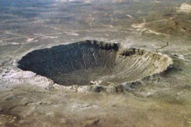 上周一颗小行星掠过地球 原来我们差点就回炉重造了