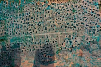 西安南郊建筑工地现战国墓葬群 密密麻麻像蜂巢