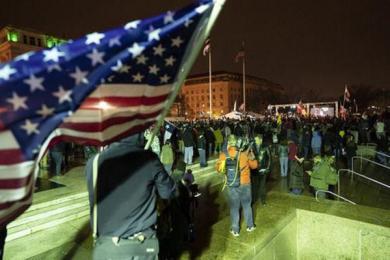"""外交部回应美国国会遭暴力冲击 从""""靓丽的风景线""""到""""暴力事件"""""""