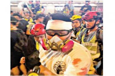 香港港独极端分子现场再曝内讧 被怀疑是内鬼遭砖头砸头当场血流不止