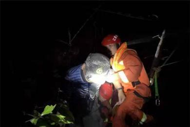 靖安山285名驴友突遇山洪被困是怎么回事?  突降暴雨引发山洪致3人遇难23人失联