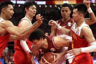 中国男篮打排位赛争取奥运资格 届时将于国足住同一酒店