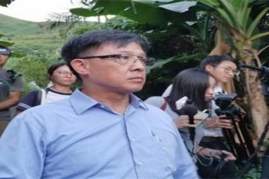 人神共愤!香港议员何君尧祖坟被破坏骨灰被倒 立法会议员祖坟被港独分子破坏