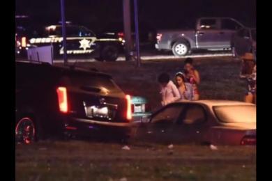 美国得州发生枪击案 校园聚会上2死14伤