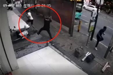 深圳沙井新沙路发生持刀砍人事件 一男子被人持刀追砍嫌疑人已被拘