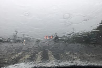 四川宜宾暴雨致城区多处积水 叙州区本站降雨量达125.3mm
